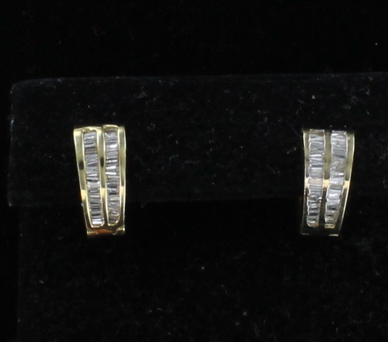 14KT .50 CT TW BAGUETTE DIAMOND HUGGIE EARRINGS