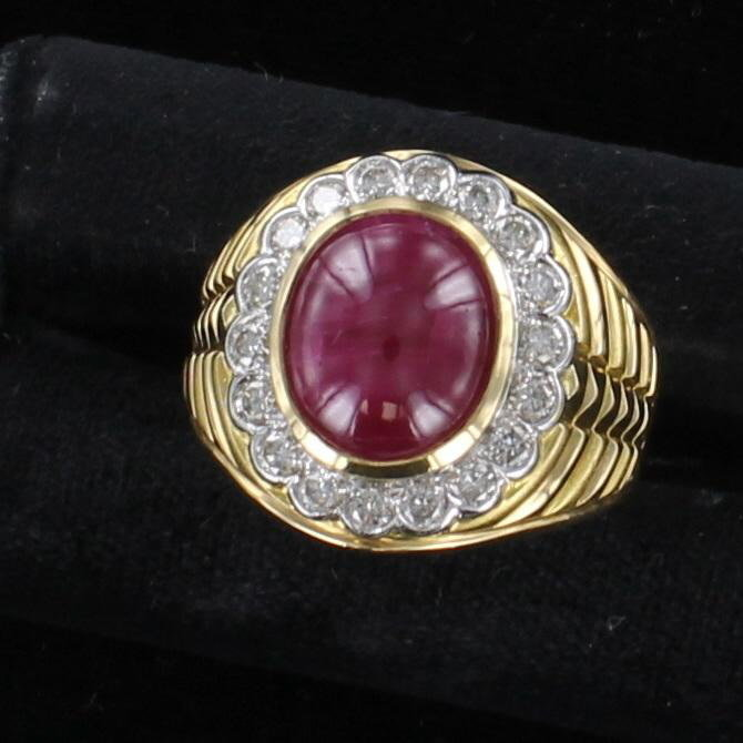 18KT CABOCHON RUBY AND DIAMOND RING