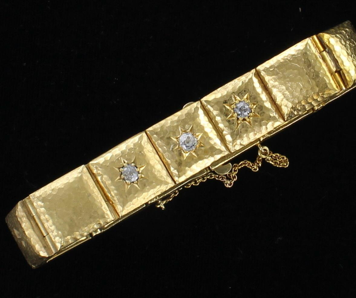18KT HAMMERED BRACELET WITH DIAMONDS