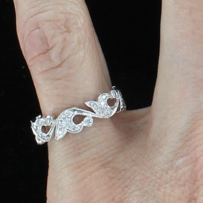 18KT DIAMOND ETERNITY BAND, SIZE 5.5
