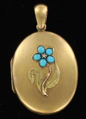 12KT LOCKET WITH TURQUOISE CIRCA 1900