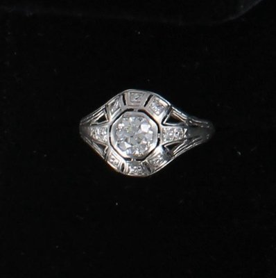 PLATINUM .65 CT OLD EUROPEAN DIAMOND ENGAGEMENT RING, CIRCA 1920