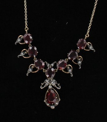 14KT/SILVER GARNET NECKLACE CIRCA 1900
