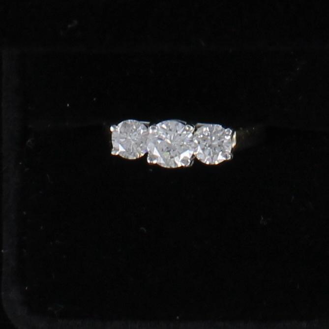 14KT/T 3 STONE ROUND BRILLIANT 1.50 CT TW DIAMOND ENGAGEMENT RING 205-2528