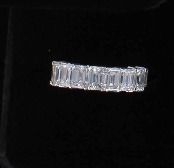 PLATINUM 9.59 CT TW BAGUETTE ETERNITY BAND, SZ 7.5