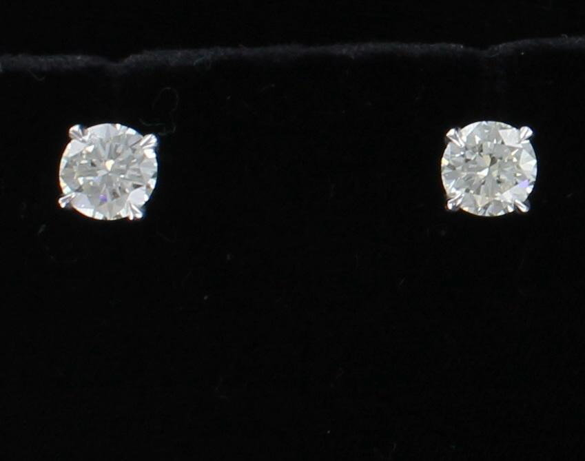 14KT 3.27 CT TW ROUND BRILLIANT DIAMOND STUD EARRINGS