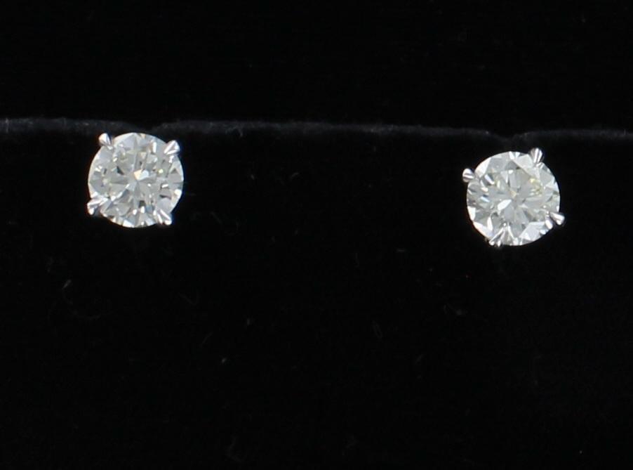 14KT 3.27 CT TW ROUND BRILLIANT DIAMOND STUD EARRINGS