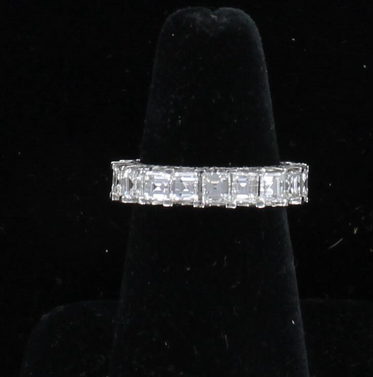 18KT ASSCHER CUT DIAMOND ETERNITY BAND, 5.75