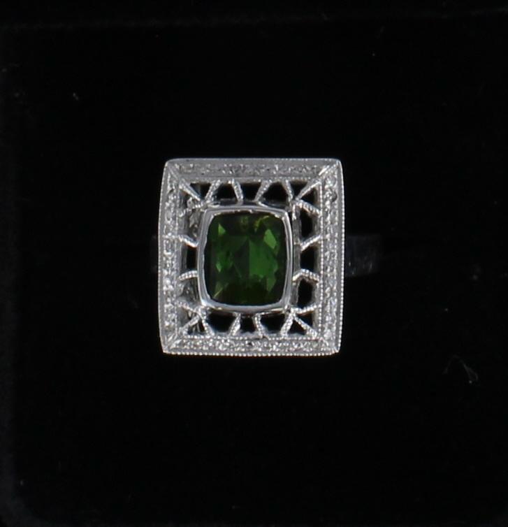 14KTW GREEN TOURMALINE AND DIAMOND RING 194-517