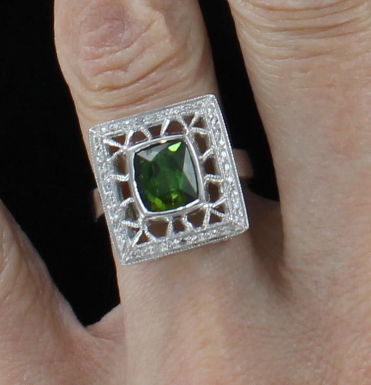 14KTW GREEN TOURMALINE AND DIAMOND RING