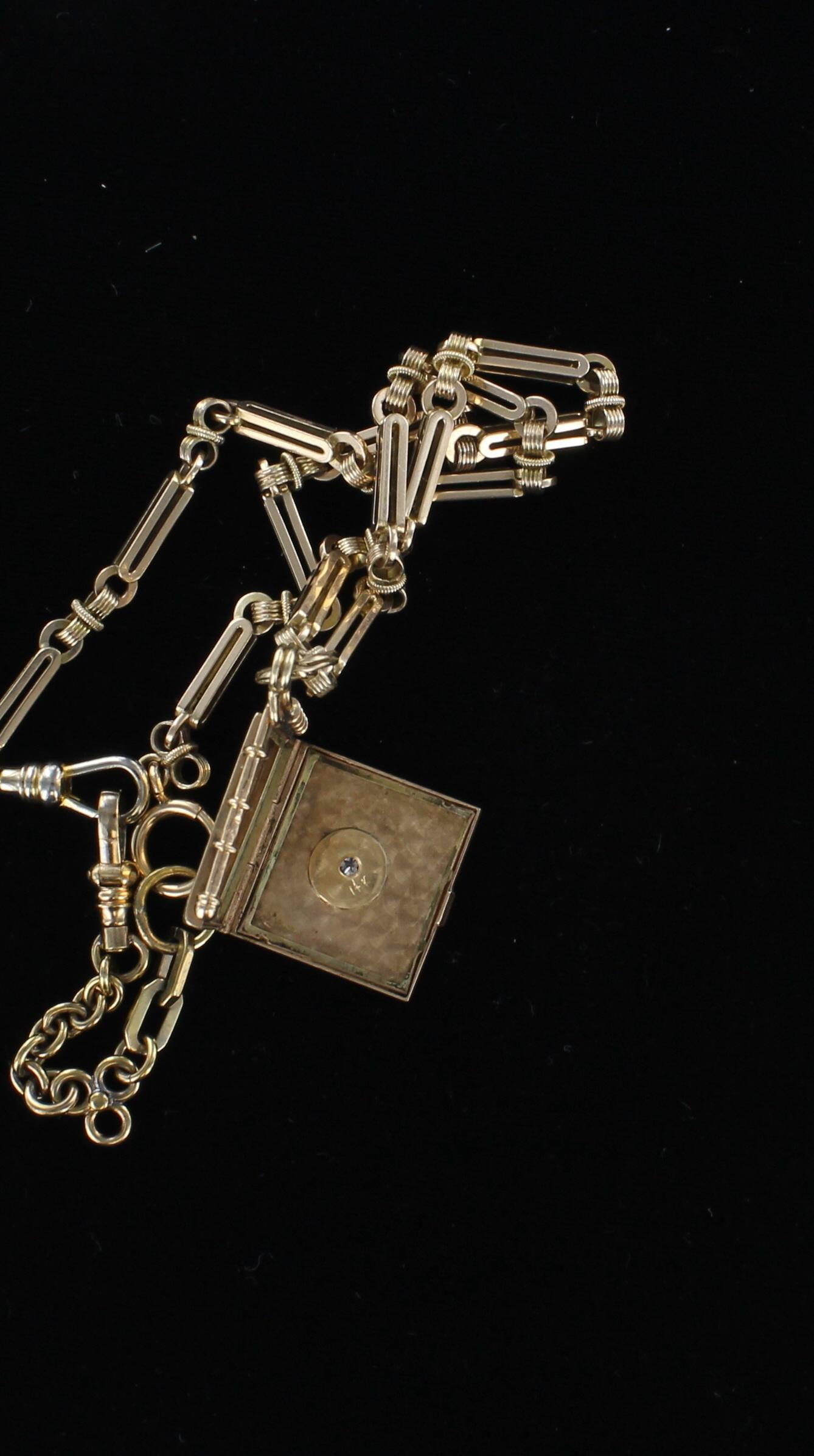 9KT LOCKET WITH WATCH CHAIN CIRCA 1900