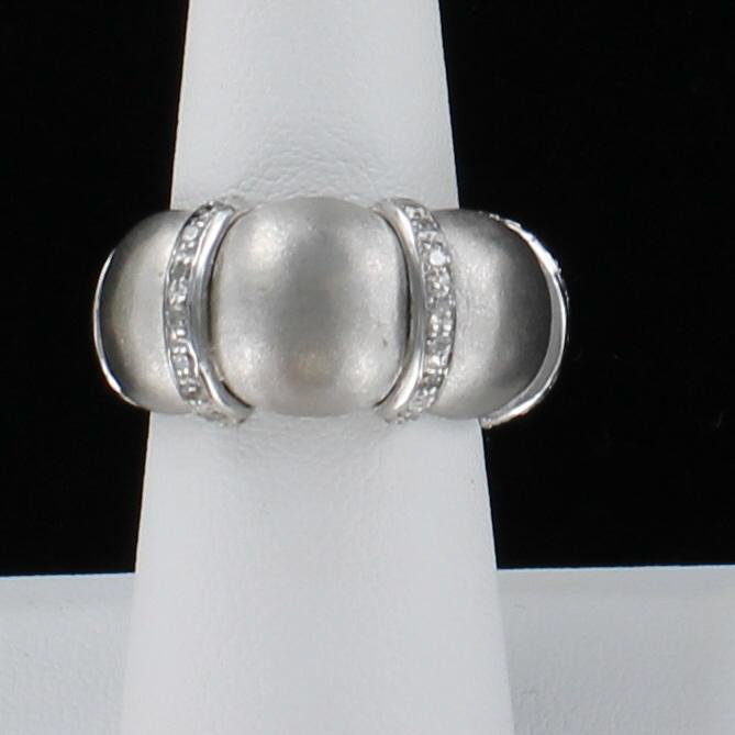 18KTW BRUSHED DIAMOND BAND