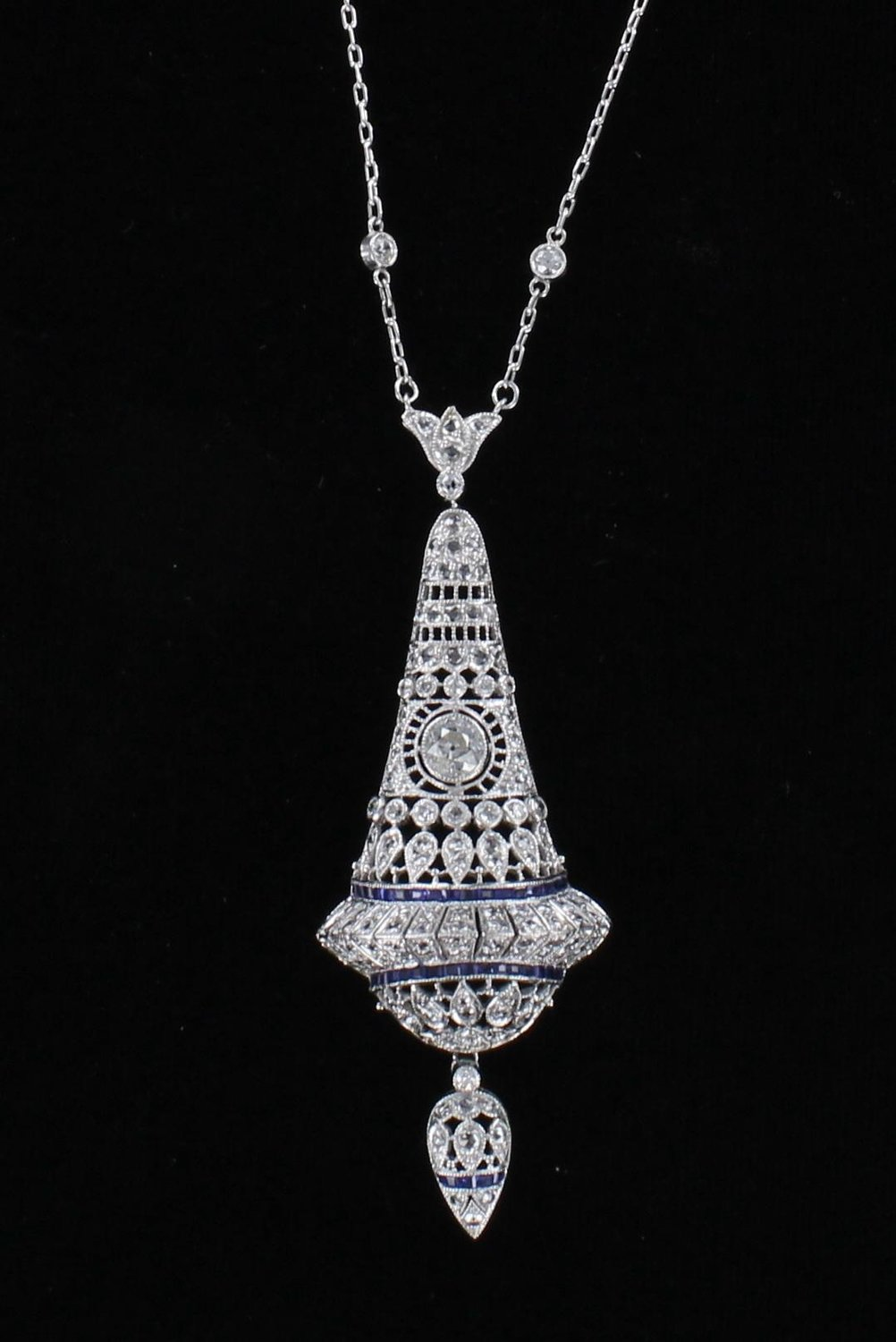 PLATINUM FILAGREE DIAMOND AND SAPPHIRE PENDANT