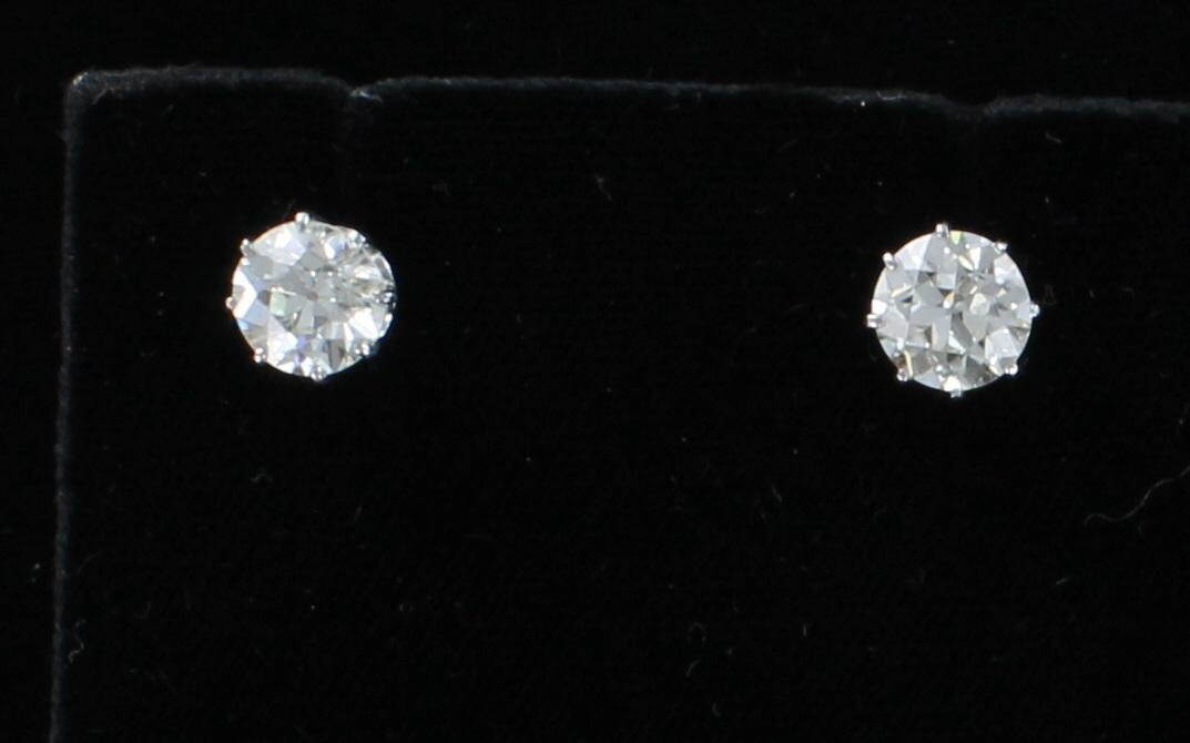 18KT 3.14 CT TW DIAMOND STUD EARRINGS