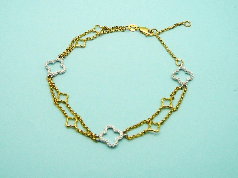 THREE DIAMOND CROSS CHAIN BRACELET, 14 Kt. Gold