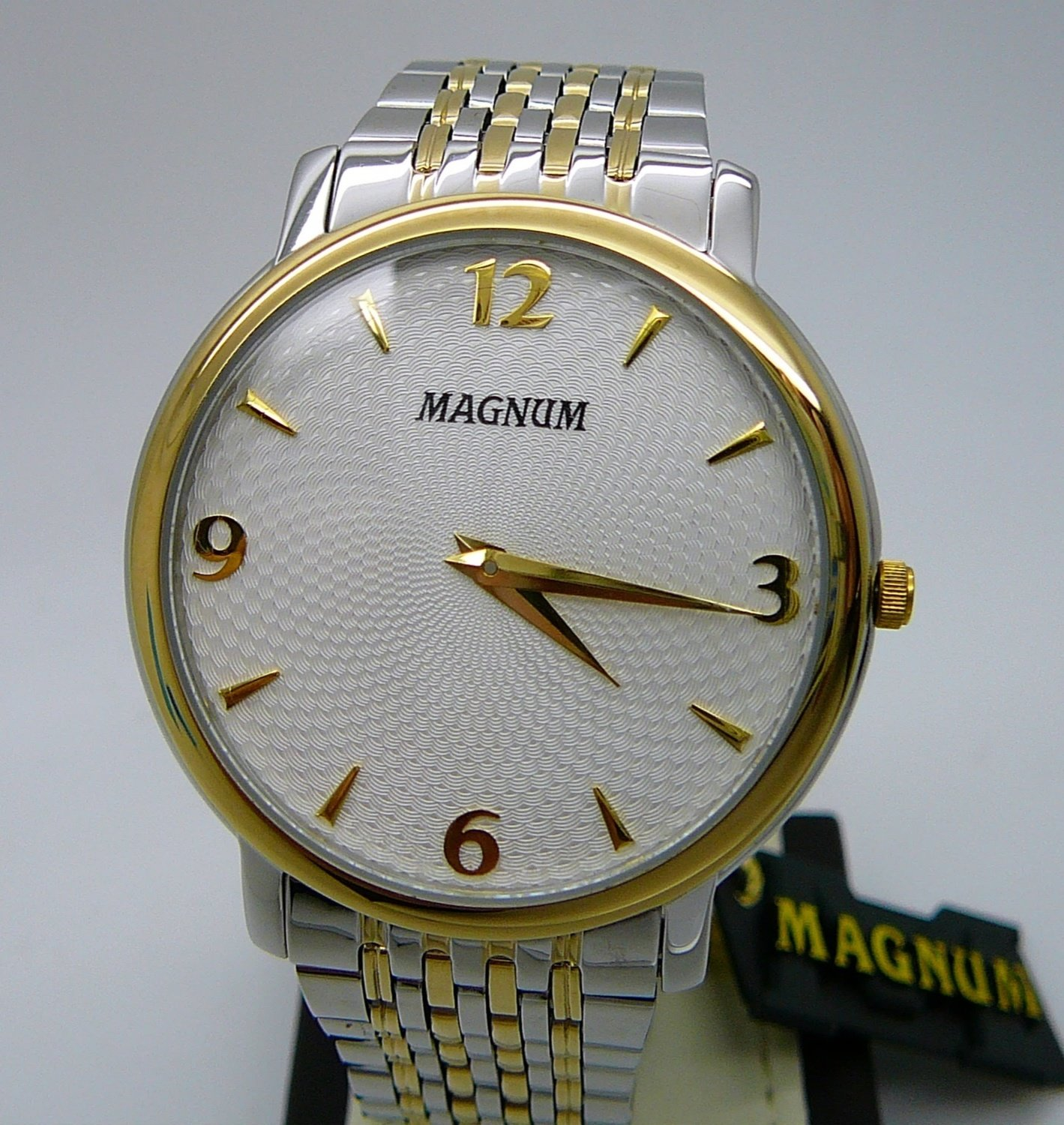 MAGNUM Business, Two Tone, White Dial