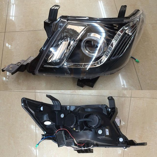 2014 Toyota Hilux Front Head Lights pair 0000067