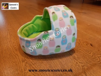 CUDDLE & SNOOZE BED - Russian Dolls/Lime