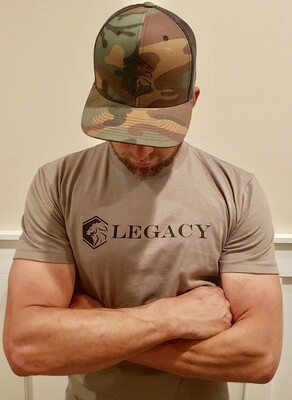The Legacy Tee - warm Grey L