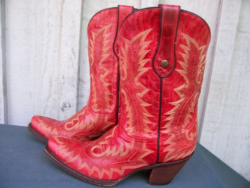 Red Fancy Stitch Corral Boots with a Kick!!