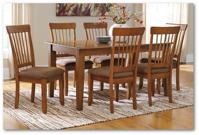 Berringer Collection - Dining Room Set