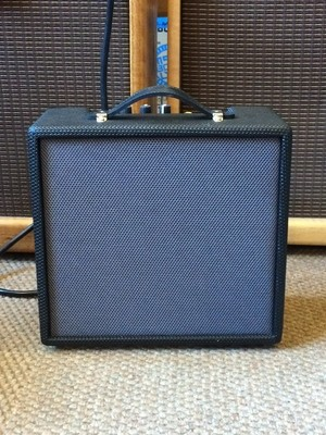 Axl Guitar Combo Amplifier 10 watt