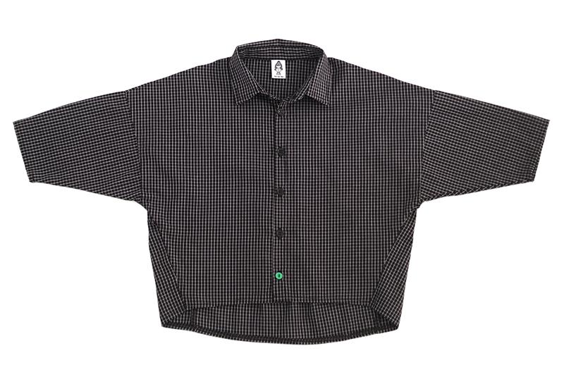 Рубашка унисекс чёрная в клетку + зелёная пуговка