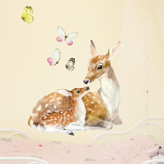 Интерьерная наклейка «Олениха с оленёнком»