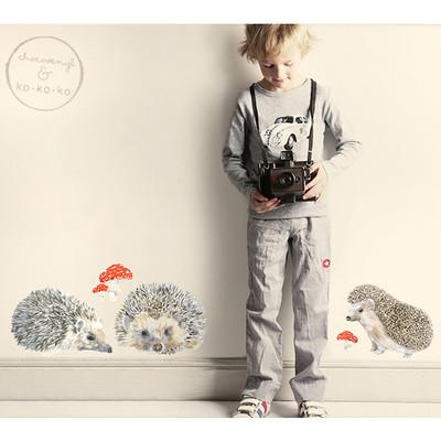 Интерьерная наклейка «Набор из трёх ёжиков + мухоморы»