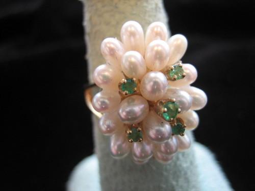 Emerald and Pearl Ring 14 Karat Yellow Gold