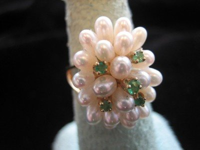 Emerald and Pearl Ring 14 Karat Yellow Gold