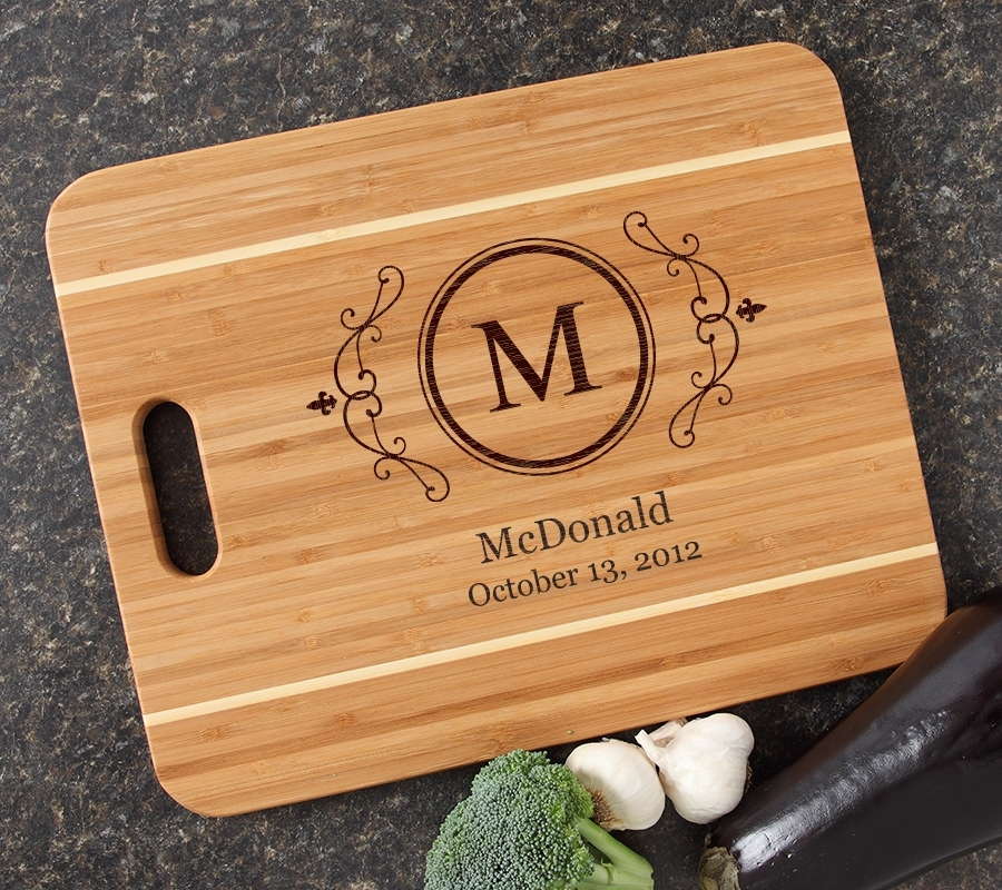 Personalized Cutting Board Engraved 15x12 Handle DESIGN 10 CBA-010