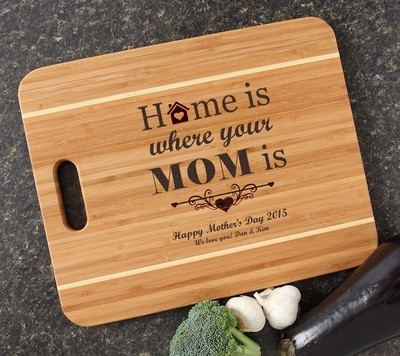 Personalized Cutting Board Engraved 15x12 Handle DESIGN Mom