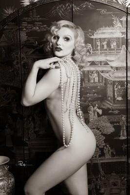 Amelia Belle 20's Art Nude
