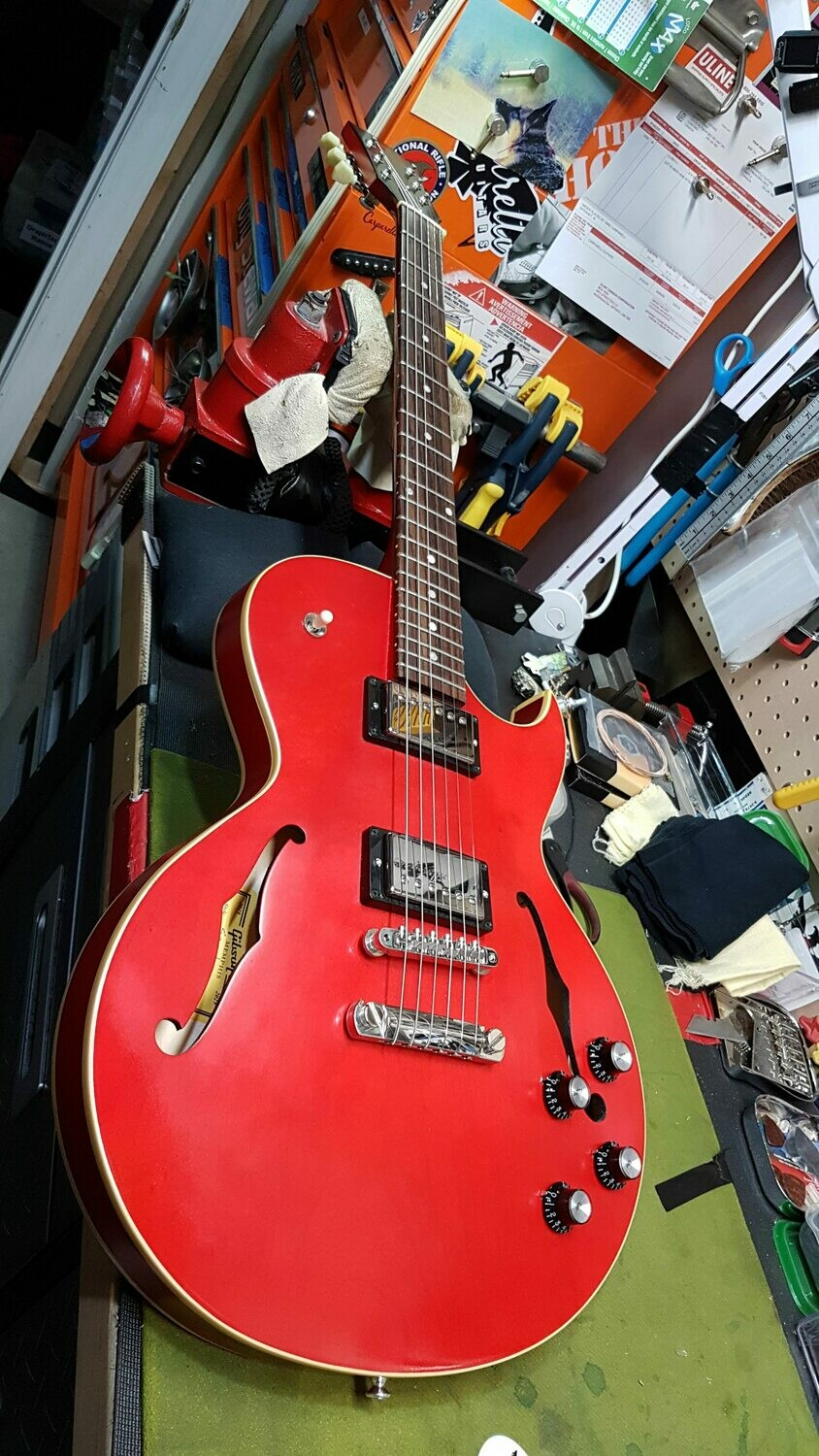 Gibson ES-235 Satin Thinline Semi-Hollow Electric Guitar Satin Cherry