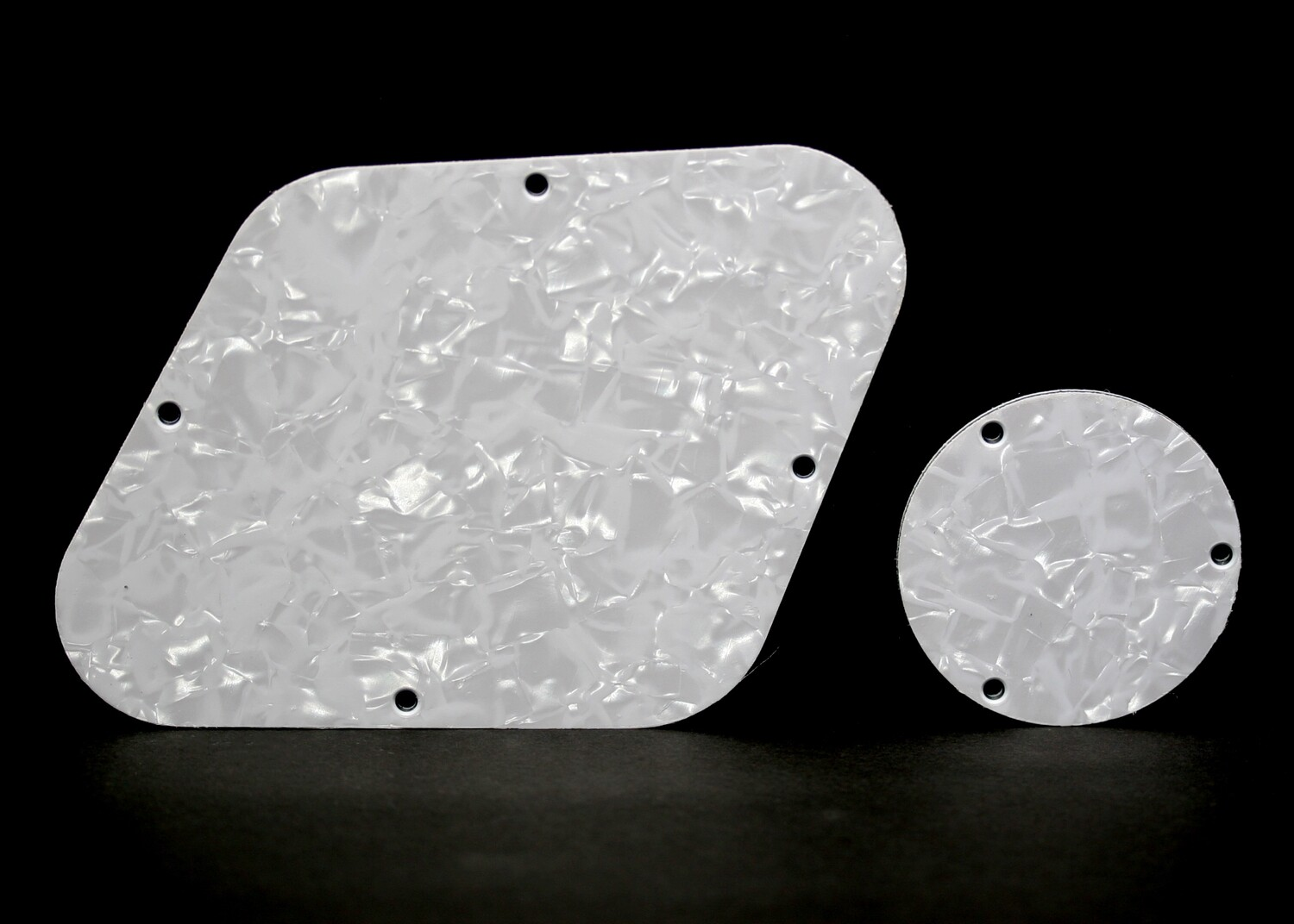 Brio Les Paul Backplate & Switch Cover Pearloid White 4 ply