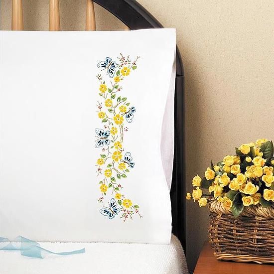Дизайн для машинной вышивки Бабочки в саду - 2 размера RPE-368