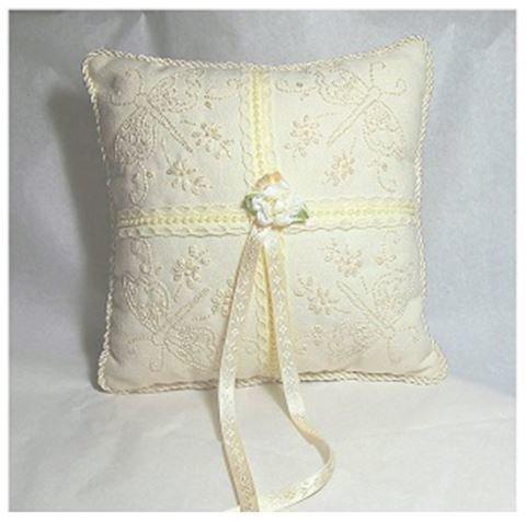 Дизайн для вышивки свадебной подушечки для колец Фантазийные бабочки RPE-982