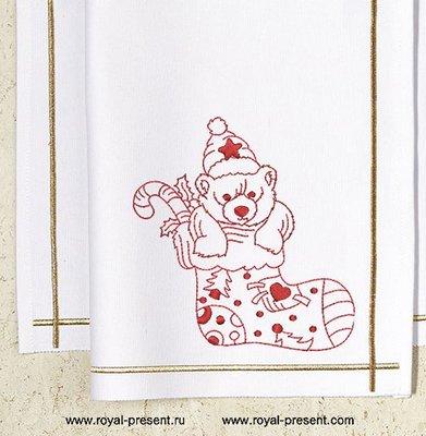 Дизайн машинной вышивки Новогодний мишка в носке