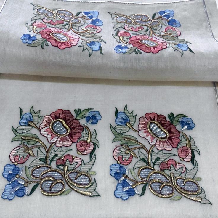 Бесплатный Дизайн для машинной вышивки Композиция из цветов RPE-559