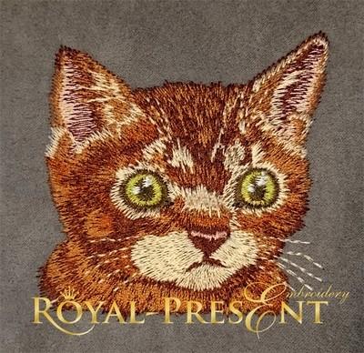 Дизайн машинной вышивки Кот в кармане Рыжик с хвостом