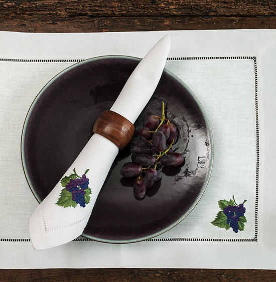 Дизайн машинной вышивки  Гроздь винограда