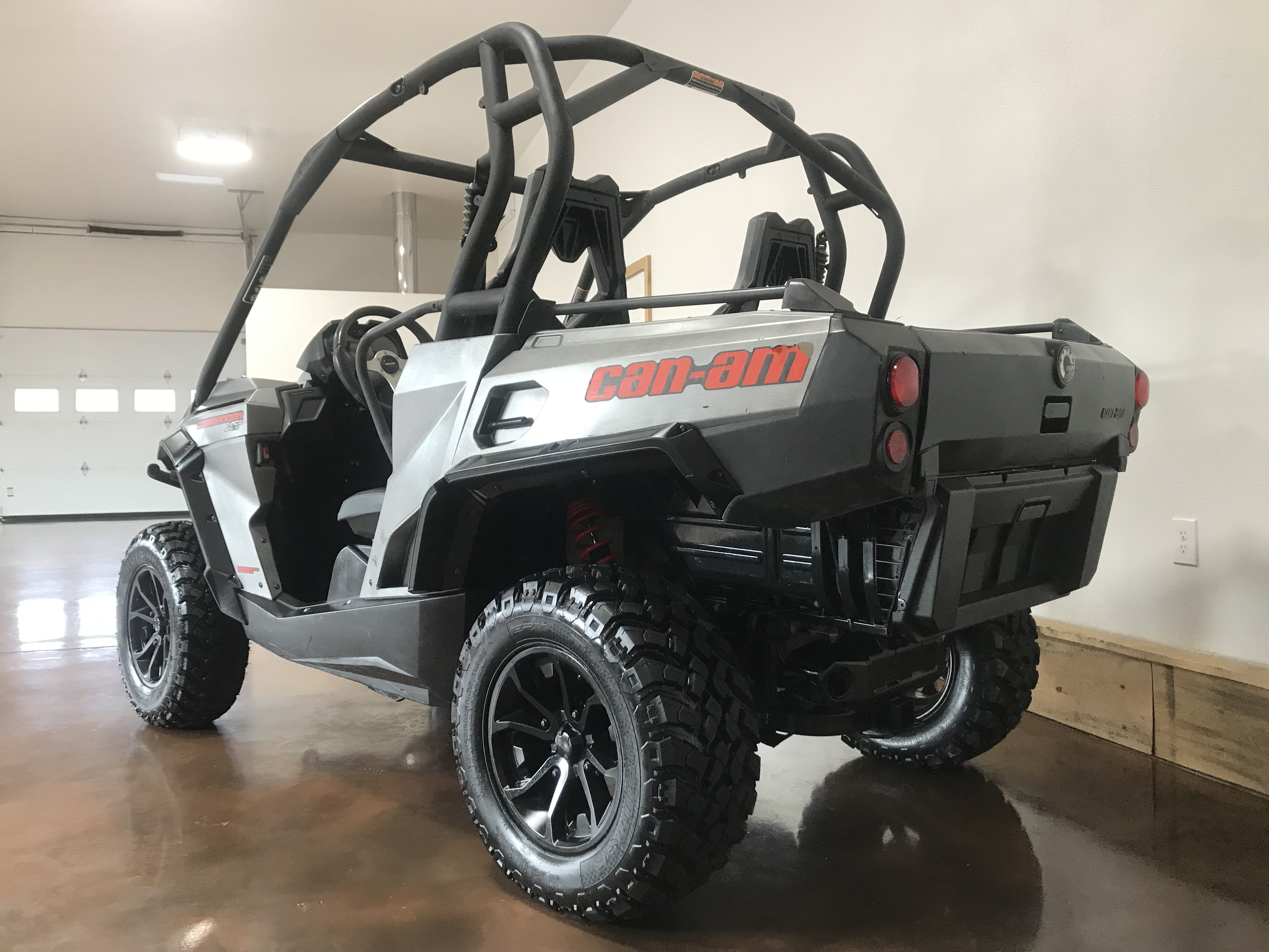 2016 Can-Am Commander 800R XT DPS