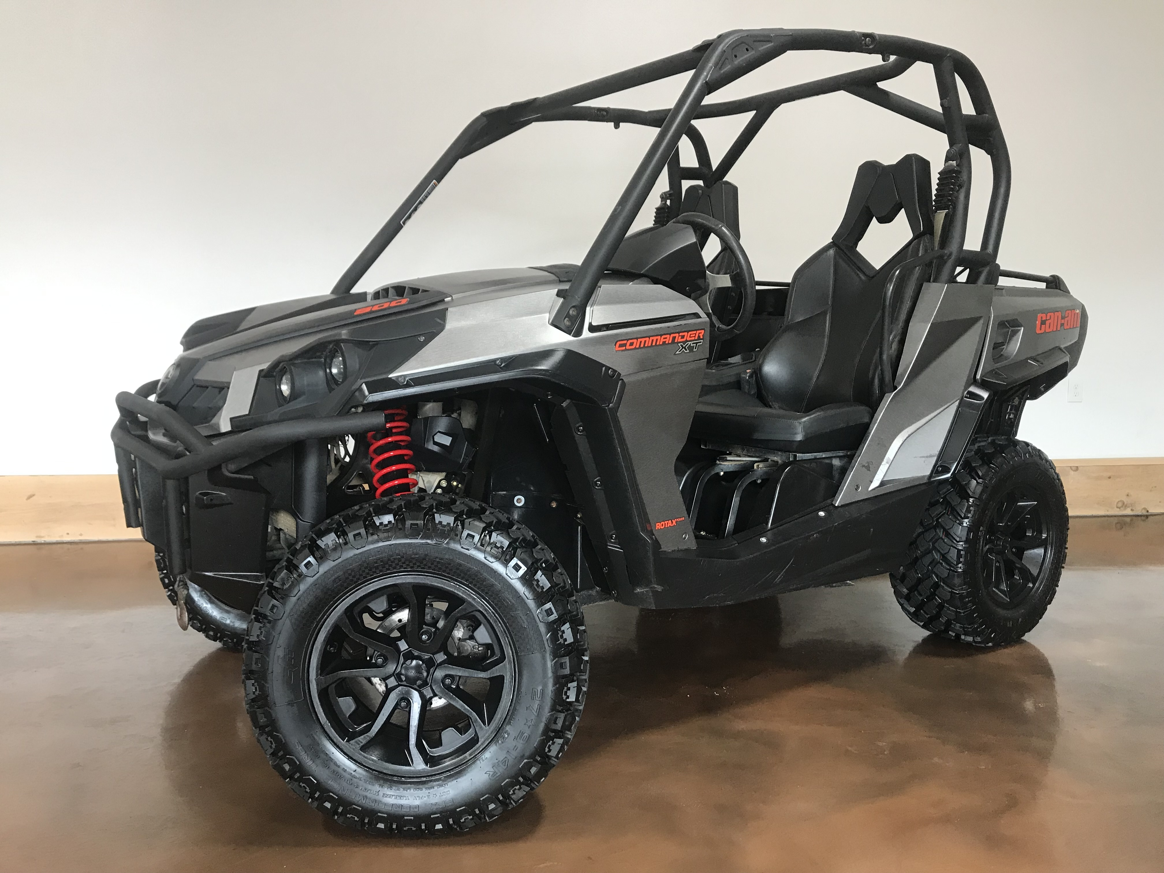 2016 Can-Am Commander 800R XT DPS 79799
