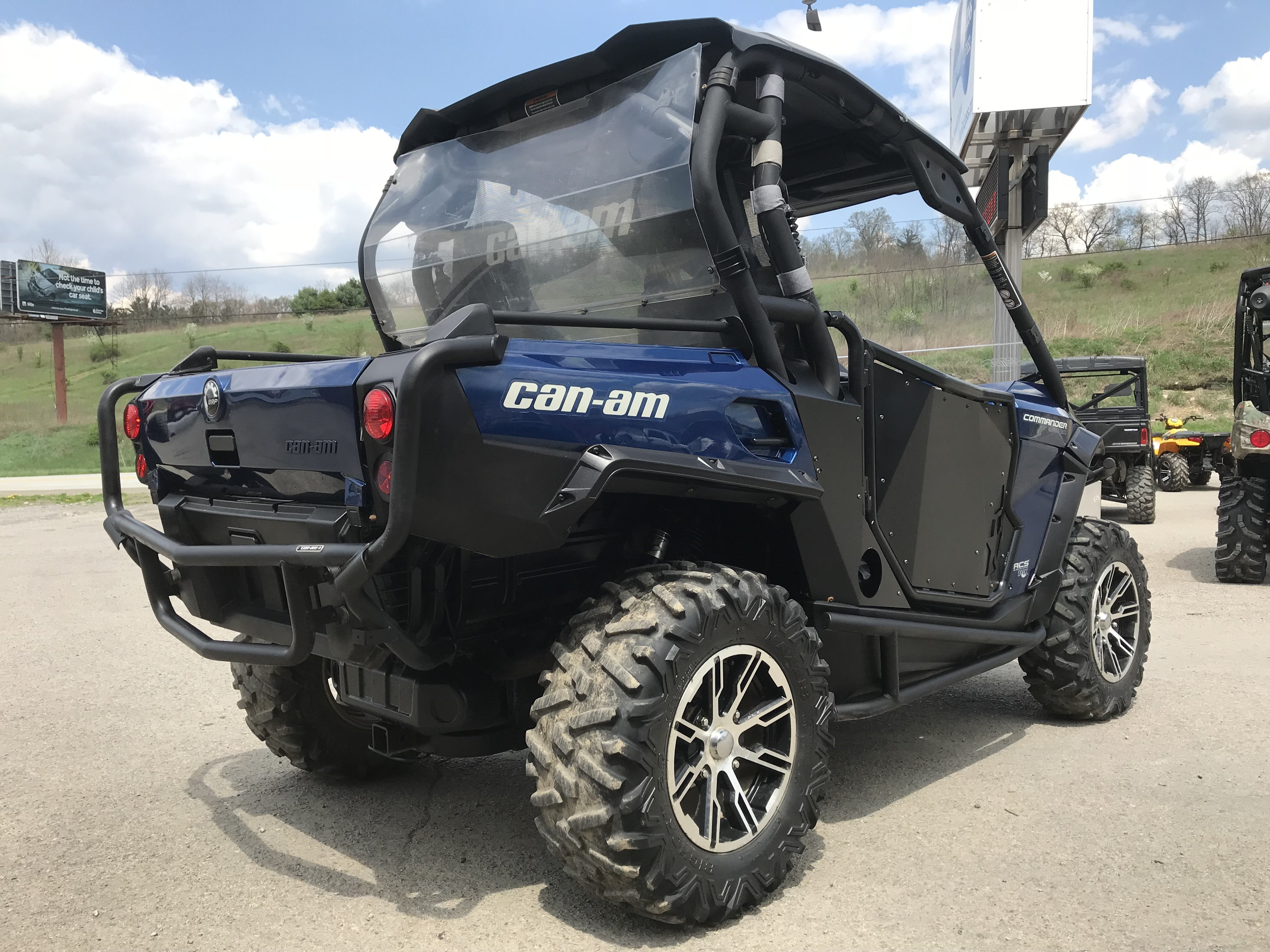 Pending - 2012 Can-Am Commander 1000 Limited