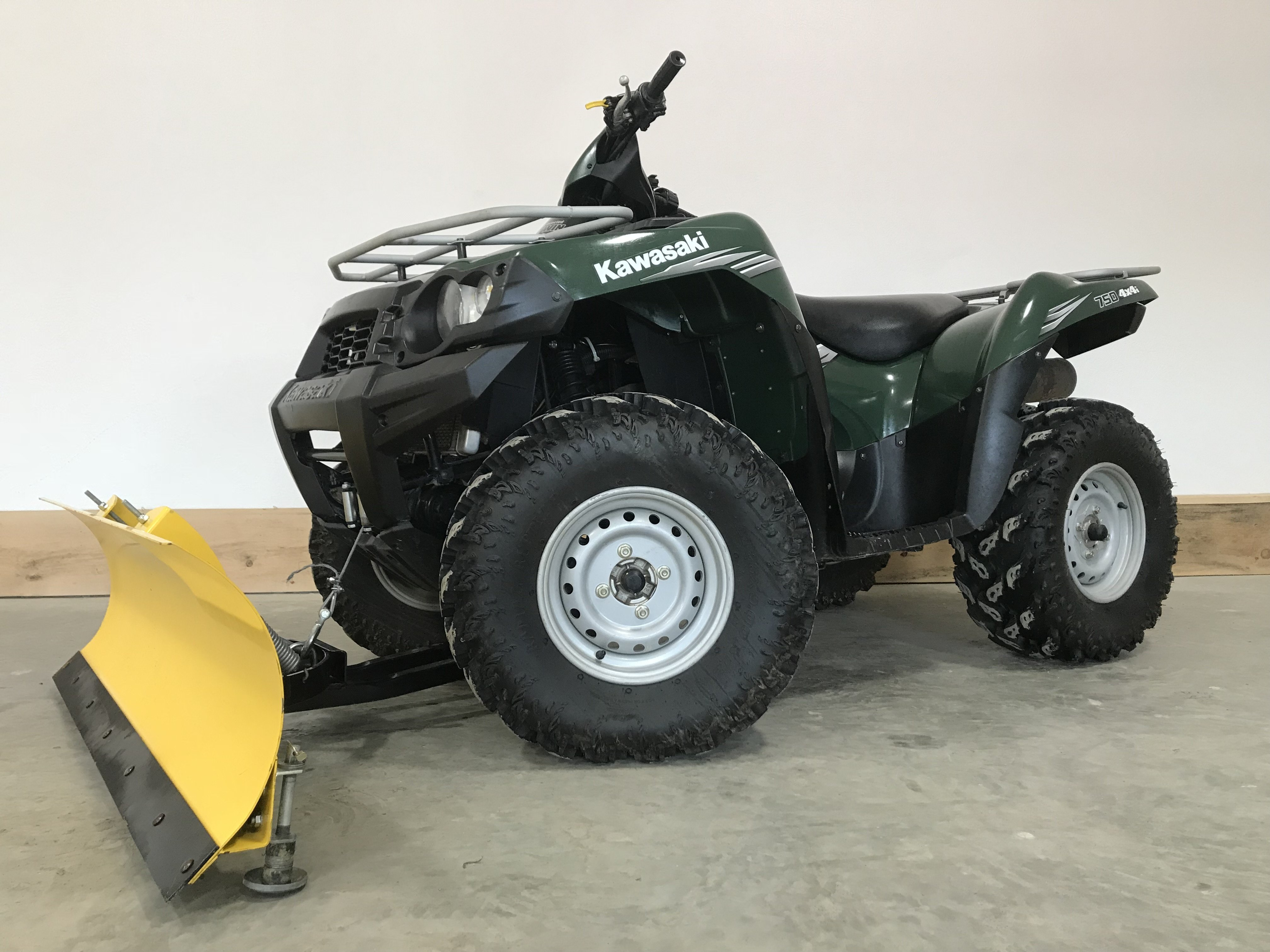 2011 Kawasaki Brute Force 750 4x4 - Nearly New Condition 79524