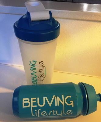 Shake beker of bidon met Beuving Lifestyle logo