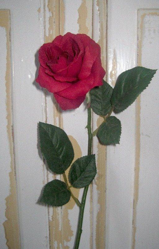 Dekorationsblomster - Rød rose. H53/Ø8 cm