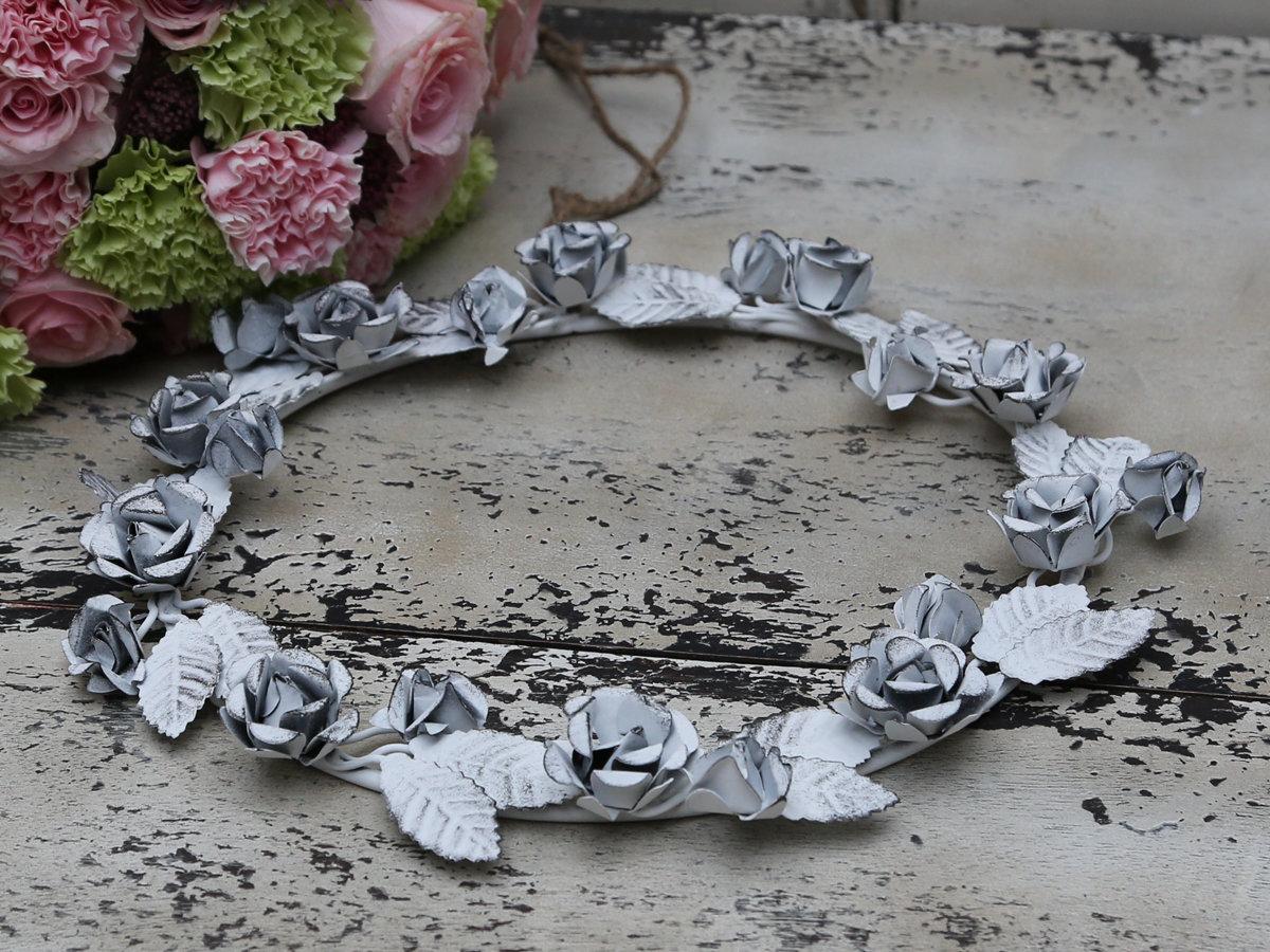 Krans m. blade og roser Ø 30 cm Antik hvid
