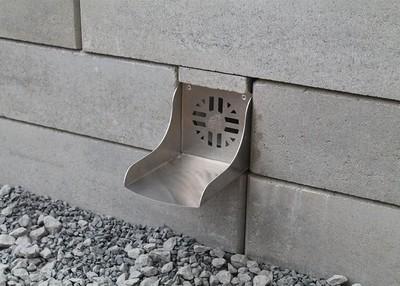 Quick-E-Retaining Wall Spillway